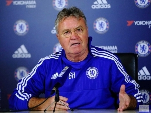 Chelsea boss Guus Hiddink tells players to